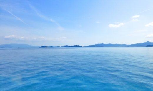 まぶしい海