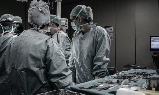 医療過誤 過剰業務 医師不足