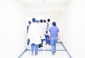 大学病院 退職 医療系職種 胡散臭い 大学医局 事業展開 アピール アドバイス 求人案内